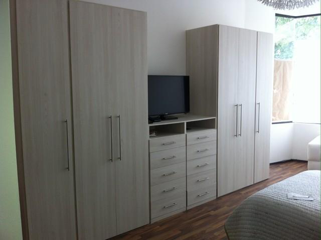 Closets larry carpinteros for Closets de vanguardia